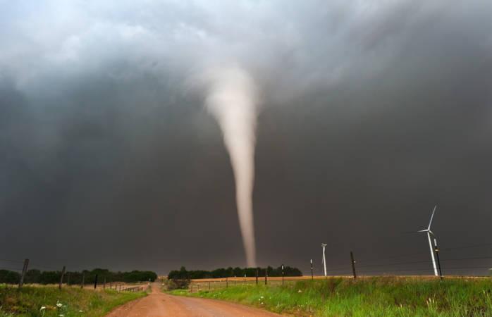 Tornados são fenômenos tipicamente continentais com alto poder destrutivo.