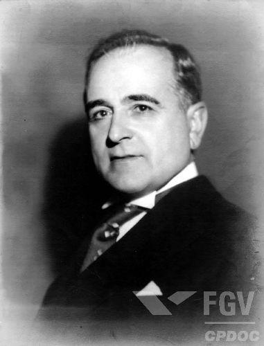 Getúlio Vargas ficou bastante conhecido pela política trabalhista implantada por ele.
