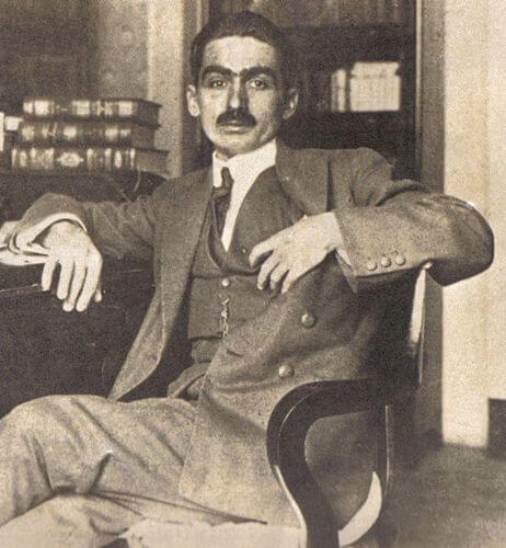 O escritor pré-modernista Monteiro Lobato foi o responsável por popularizar o saci em todo o país ao inseri-lo no Sítio do Picapau Amarelo.[1]