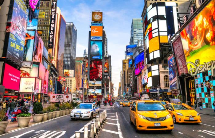Nova Iorque é conhecida como a cidade que nunca dorme. ****