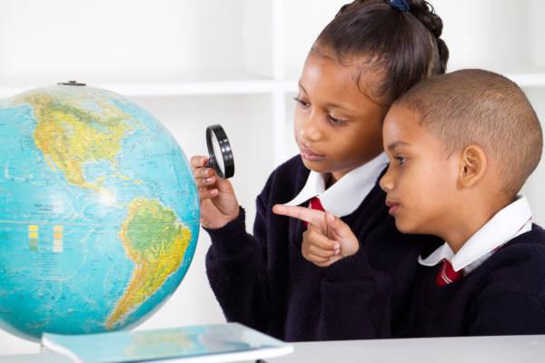 O continente europeu, apesar de ser um dos menores em extensão, é composto por um grande número de países.