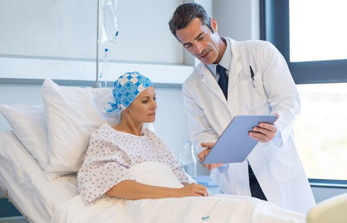A quimioterapia é uma das formas de tratar-se o câncer.