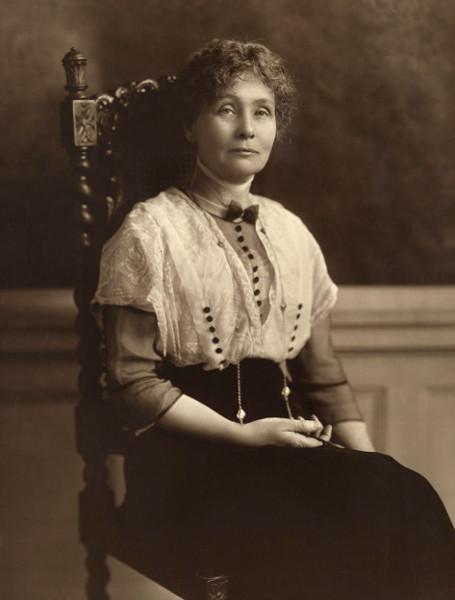 Emmeline Pankhurst, uma das principais lideranças do movimento sufragista britânico.