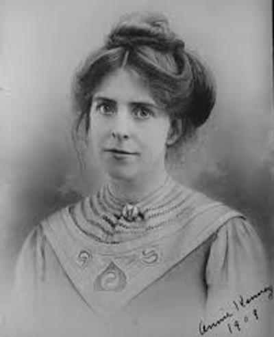 A ativista sufragista Annie Kenney.