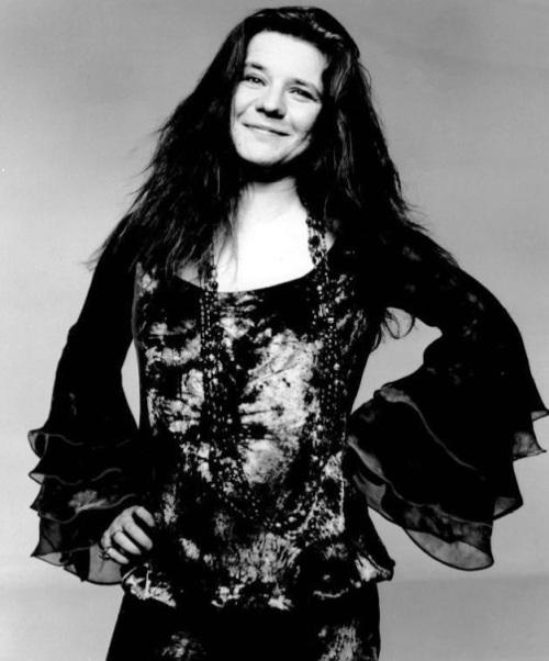 A cantora Janis Joplin foi uma das atrações do festival e um importante símbolo para o movimento hippie.