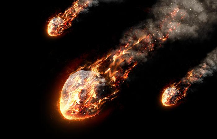 De acordo com a hipótese da panspermia, sementes da vida poderiam ter chegado ao nosso planeta trazidas por meteoritos.