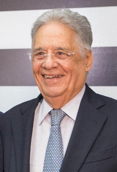 Fernando Henrique Cardoso, presidente brasileiro que implantou as medidas neoliberais no Brasil.[3]
