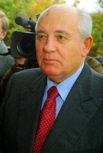 Mikhail Gorbachev foi o último governante soviético e renunciou em 1991.[3]