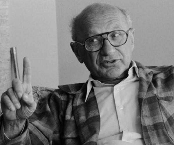 Milton Friedman, economista da Escola de Chicago.