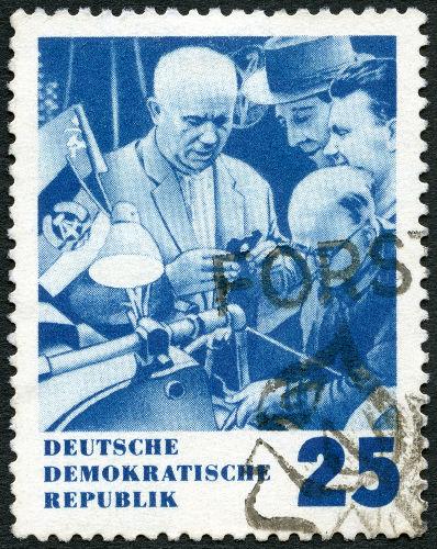 Nikita Kruschev conduziu a desestalinização da União Soviética na década de 1950.[2]