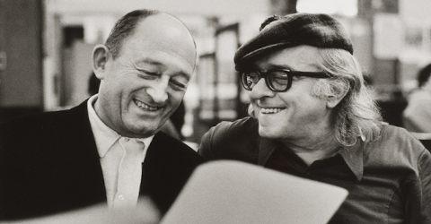 Vinícius de Moraes ao lado do poeta francês Pierre Seghers