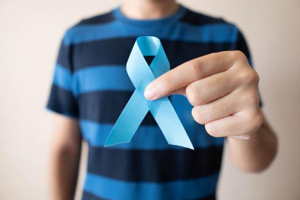 O Novembro Azul é um movimento que visa à conscientização a respeito do câncer de próstata.
