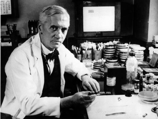 Alexander Fleming ganhou o Nobel de Fisiologia ou Medicina com a descoberta da penicilina.