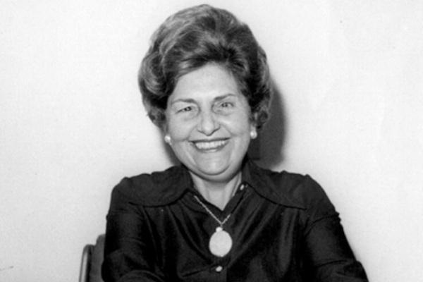 Dorina Nowill sempre lutou pela inclusão social de pessoas cegas e com baixa visão. [1]