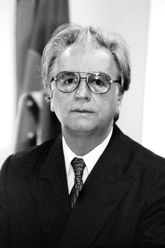 O presidente em exercício, Itamar Franco, foi um dos principais responsáveis pela implementação do Plano Real. [1]