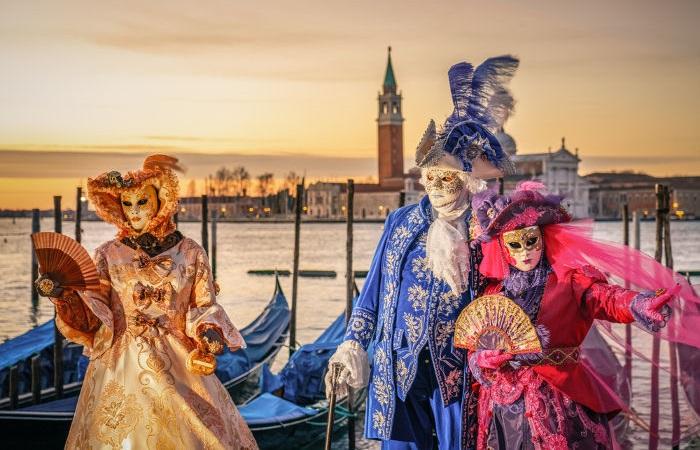 Bailes de máscaras faziam parte do Carnaval europeu.