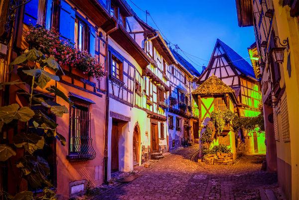 Baixa Idade Média ficou marcada pelo crescimento das cidades. [1]