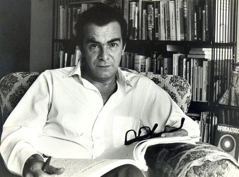 Darcy Ribeiro, um dos principais estudiosos de Antropologia do Brasil. [1]