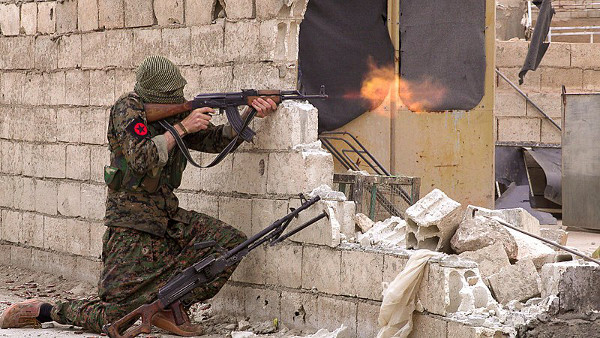 A guerra civil na Síria forçou a saída de mais de cinco milhões de sírios de seu território natal. [1]