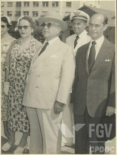 Tancredo Neves foi ministro da Justiça durante o segundo governo de Vargas, na década de 1950.[1]