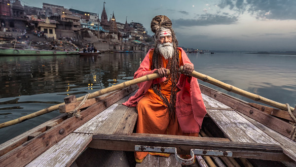 As vestimentas, os hábitos e costumes são elementos da identidade cultural.