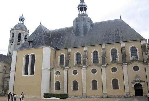 Igreja do colégio onde Descartes estudou.