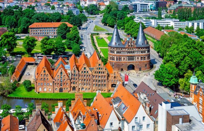 A cidade de Lübeck, na Alemanha, é um exemplo de cidade que surgiu no processo de renascimento urbano na Europa medieval.
