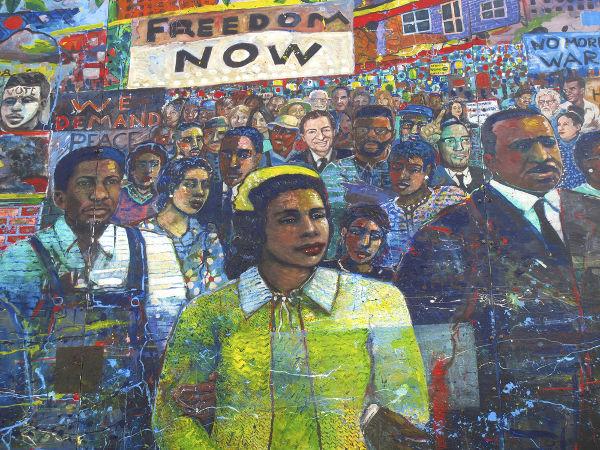 Os Panteras Negras surgiram na década de 1960, no auge do movimento pelos direitos civis dos negros nos Estados Unidos. [1]