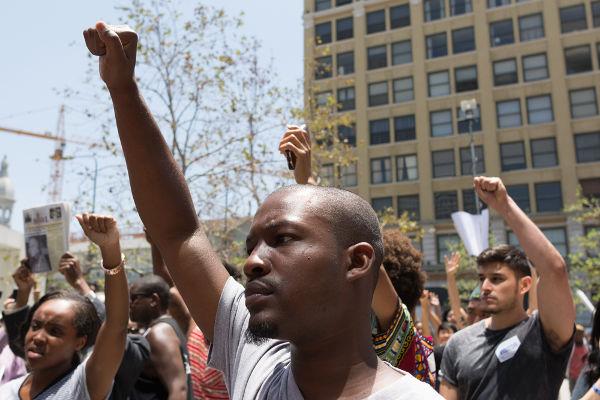 A plataforma dos Panteras Negras ainda serve de inspiração para o movimento negro nos Estados Unidos. [2]