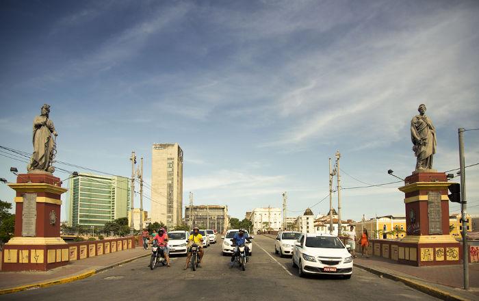 Uma das pontes existentes em Recife atualmente leva o nome de Maurício de Nassau.[1]