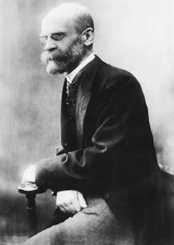 Durkheim é considerado o fundador da Sociologia como ciência estruturada.