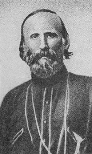 Giuseppe Garibaldi foi um dos grandes personagens da Guerra dos Farrapos e um dos envolvidos com a conquista de Laguna, em 1839. [2]