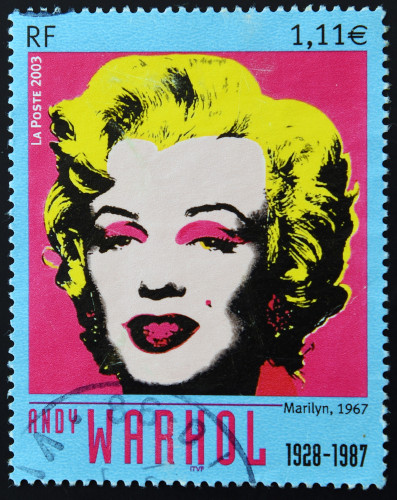 Andy Warhol foi um grande entusiasta da pop art, vertente artística que reproduzia temas relativos ao consumo e à cultura popular.