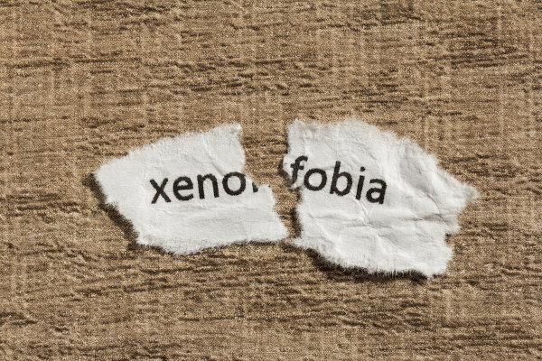 A xenofobia é um mal que ainda atinge o mundo contemporâneo.
