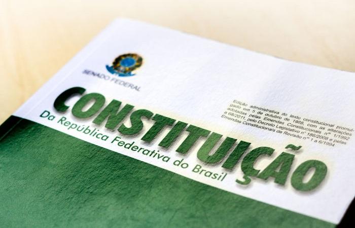 A possibilidade do estado de sítio está prevista na Constituição Federal, nos artigos 137 a 141.[2]
