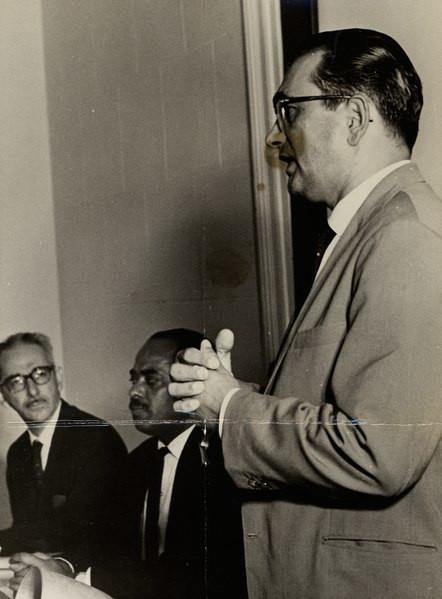 Florestan Fernandes em conferência no Museu de Belas Artes (1964) .
