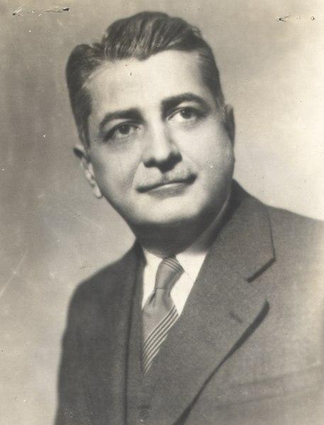 Gilberto Freyre, escritor, sociólogo e antropólogo brasileiro. [1]