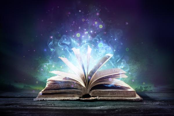 O livro é um instrumento de difusão de conhecimento há séculos, e, pela sua importância, recebeu o dia 23 de abril para ser homenageado.
