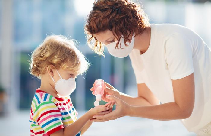 Mesmo utilizando máscaras, devemos estar atentos às outras formas de prevenção, como a higienização das mãos.