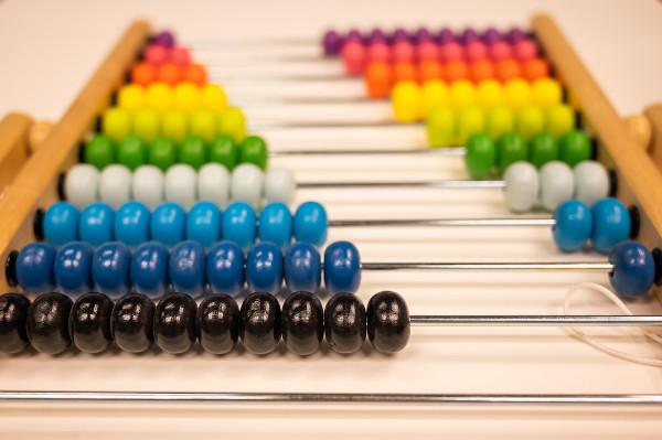 A progressão aritmética é uma sequência numérica que possui uma razão.