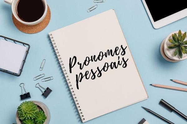 Os pronomes do caso reto, oblíquos e de tratamento são as categorias dos pronomes pessoais.