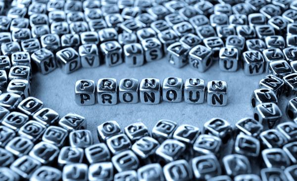 Na língua inglesa, existem diferentes tipos de pronouns.