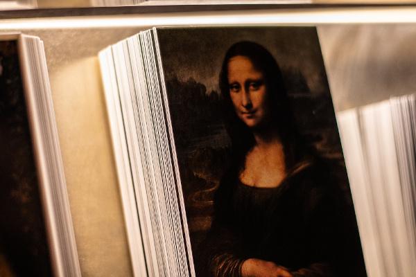 """Um """"souvenir"""" do quadro """"Mona Lisa"""". [3]"""