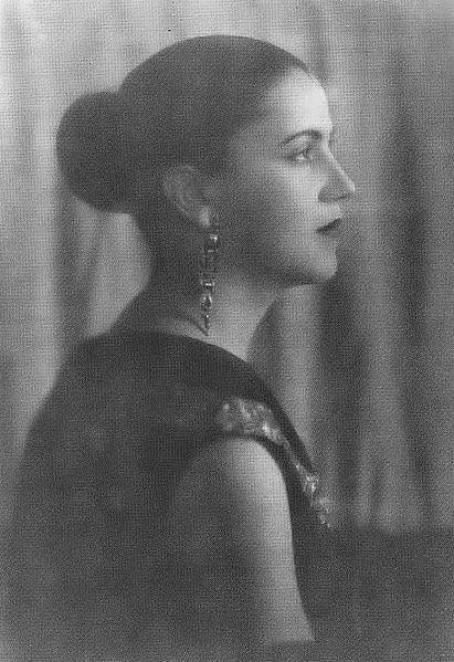 Tarsila do Amaral, possivelmente em 1925.