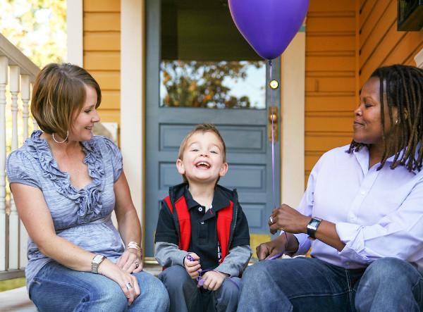 Hoje a configuração familiar é diferente da configuração patriarcal, podendo haver uma família com duas mães.