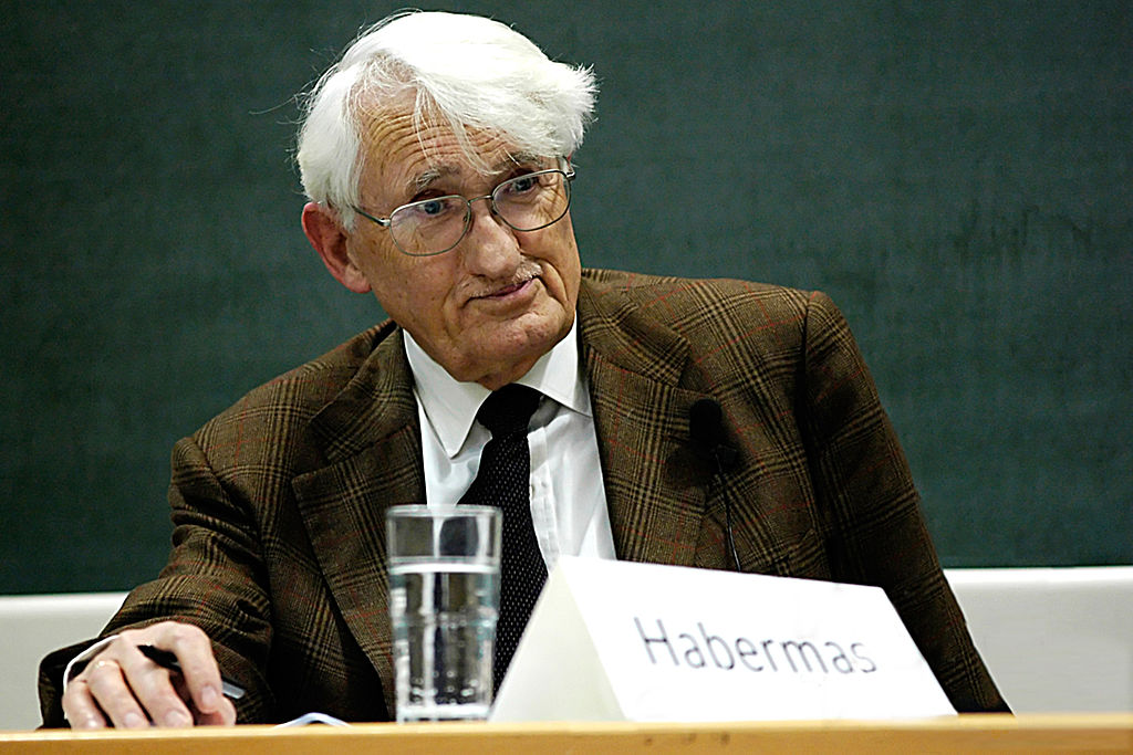 Embora aposentado, Habermas continua ativo. [1]