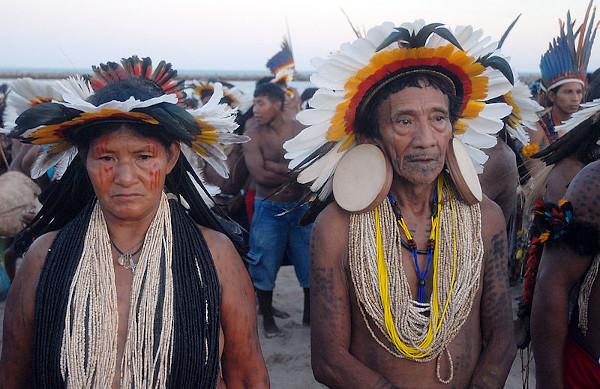 Os povos indígenas americanos sofrem com o etnocentrismo desde o primeiro movimento colonizador do século XVI.