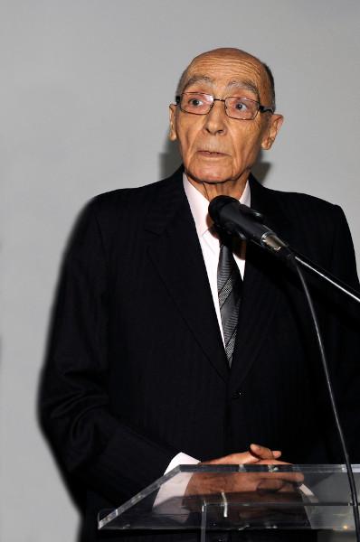 José Saramago inovou o jeito de se fazer narrativa em língua portuguesa. [1]