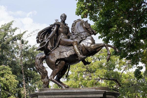 Seu papel na liderança das independências de cinco nações sul-americanas fez com que Bolívar fosse conhecido como o Libertador.