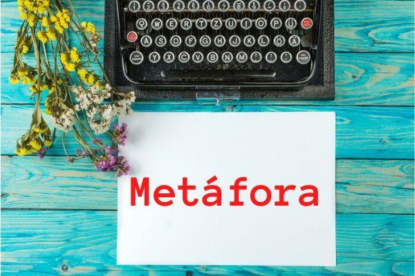 A metáfora é a figura de linguagem responsável por fazer comparações implícitas.